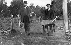 Gardeners Phil Jacobs and Dick Whitewood